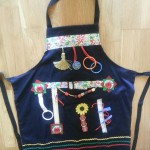 Fiddle Apron in full style